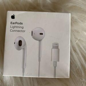 Apple EarPods NWT